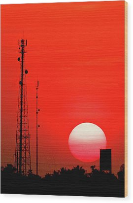 Urban Sunset And Radiostation Tower Silhouettes Wood Print by Rosita So Image