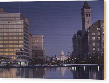 View Of The Capitol Building Wood Print by Kenneth Garrett