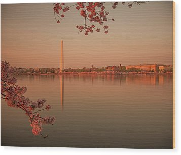 Washington Monument Wood Print by Adettara Photography