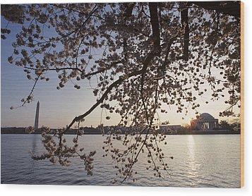 Washington Monument And Jefferson Wood Print by Kenneth Garrett