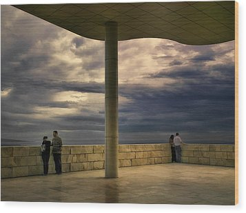 Watching The Storm At The Getty Wood Print by Lynn Andrews