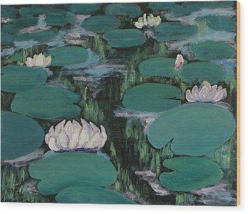 Water Lilies In Hawaii Wood Print by Zanobia Shalks
