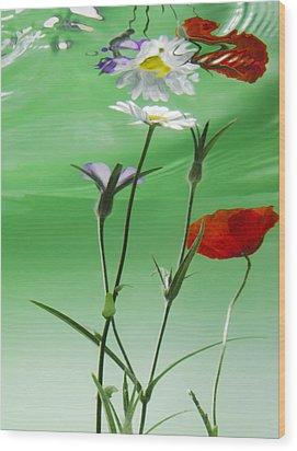 Wet Wild Flower Wood Print by Han Van Vonno