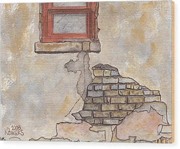 Window With Crumbling Plaster Wood Print by Ken Powers