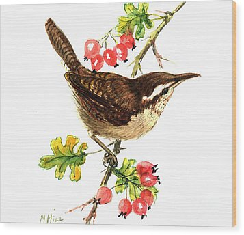 Wren And Rosehips Wood Print by Nell Hill