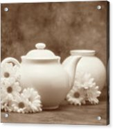 Teapot With Daisies I Acrylic Print by Tom Mc Nemar