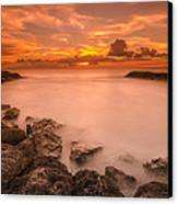 Honolulu Sunset Canvas Print by Tin Lung Chao
