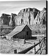Horse Barn In Fruita Utah Canvas Print by Jack Schultz