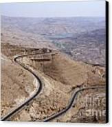 The Kings Highway At Wadi Mujib Jordan Canvas Print by Robert Preston