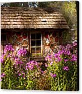 Garden - Belvidere Nj - My Little Cottage Canvas Print by Mike Savad