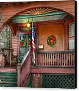 House - Porch - Metuchen Nj - That Yule Tide Spirit Canvas Print by Mike Savad