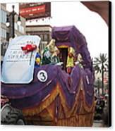 New Orleans - Mardi Gras Parades - 121228 Canvas Print by DC Photographer
