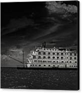 Queen Of The Mississippi  Canvas Print by Mario Celzner