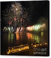 Thunder Over Louisville - D008432 Canvas Print by Daniel Dempster