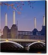 Uk, England, View Of Battersea Power Canvas Print by Dosfotos