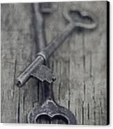 Vintage Keys Canvas Print by Priska Wettstein