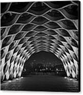Wooden Archway With Chicago Skyline In Black And White Canvas Print by Sven Brogren