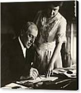 Woodrow And Edith Wilson Canvas Print by Georgia Fowler