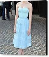 Jessica Chastain Wearing A Christian Canvas Print by Everett