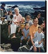President George H. W. Bush And Wife Canvas Print by Everett