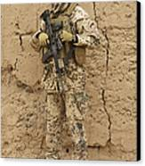 A German Army Soldier Armed With A M4 Canvas Print by Terry Moore