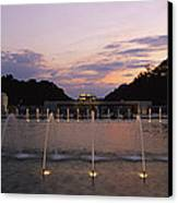 A Night View Of Memorial Plaza Canvas Print by Richard Nowitz
