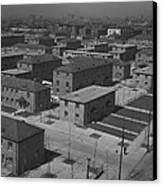 Chicagos Ida B. Wells Housing Project Canvas Print by Everett