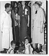 Eleanor Roosevelt Visiting A Wpa Works Canvas Print by Everett