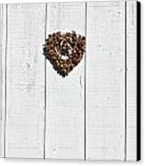 Heart Wreath On Wood Wall Canvas Print by Garry Gay