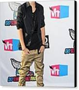 Justin Bieber At Arrivals For 2011 Vh1 Canvas Print by Everett
