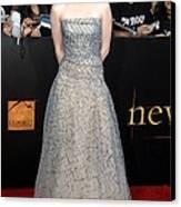 Kristen Stewart Wearing An Oscar De La Canvas Print by Everett