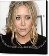 Mary Kate Olsen At Arrivals Canvas Print by Everett