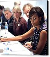 Michelle Obama Attends A Meeting Canvas Print by Everett