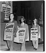 Pickets Protest In Front Of Baltimores Canvas Print by Everett