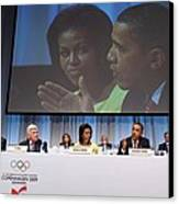 President And Michelle Obama Answer Canvas Print by Everett