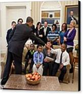 President Barack Obama Greets Students Canvas Print by Everett