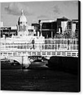 River Liffey Dublin City Center Canvas Print by Joe Fox