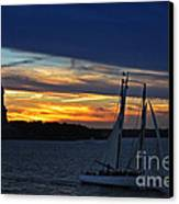 Statue Of Liberty At Sunset Canvas Print by Nishanth Gopinathan
