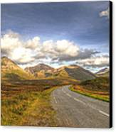 The Cuillin Mountains Of Skye Canvas Print by Chris Thaxter