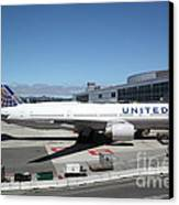 United Airlines Jet Airplane At San Francisco Sfo International Airport - 5d17107 Canvas Print by Wingsdomain Art and Photography