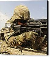 U.s. Air Force Soldier Fires The Mk48 Canvas Print by Stocktrek Images