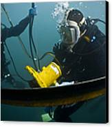 U.s. Navy Diver Instructs A Barbados Canvas Print by Stocktrek Images
