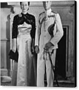Duchess Of Windsor Wallis Simpson Canvas Print by Everett