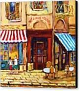 Cafe De Vieux Montreal With Couple Canvas Print by Carole Spandau