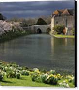 Leeds Castle In Kent United Kingdom Canvas Print by Kiril Stanchev