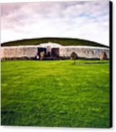 Newgrange Morning Canvas Print by Douglas Barnett