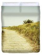 Beach trail Duvet Cover by Les Cunliffe