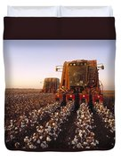 Agriculture - Cotton Harvesting  San Duvet Cover by Ed Young