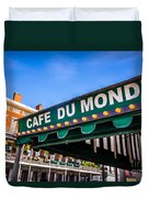 Cafe Du Monde Picture In New Orleans Louisiana Duvet Cover by Paul Velgos