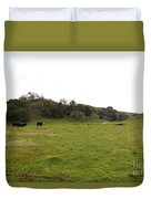Cattles At Fernandez Ranch California - 5d21124 Duvet Cover by Wingsdomain Art and Photography
